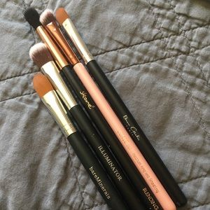 Other - NWOT mixed makeup brushes